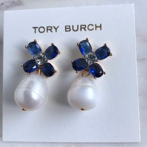 New Tory Burch clover pearl drop earrings